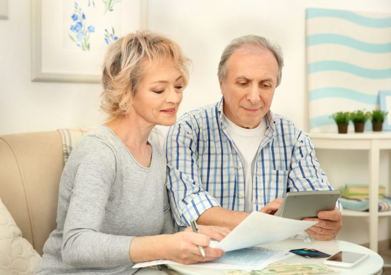 Couple-save-money-on-household-bills